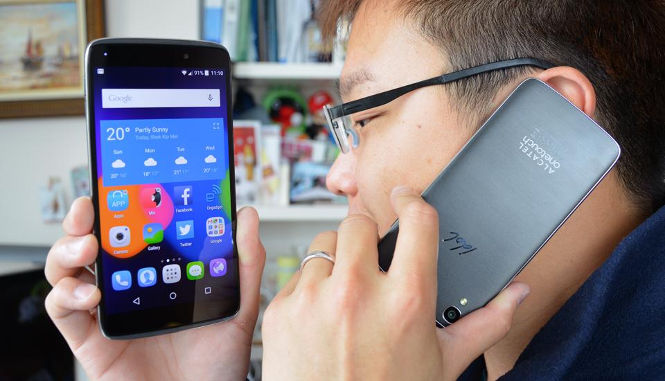 45werf MWC 2015 Alcatel IDOL 3 Telefonul La Care Poti Vorbi Invers