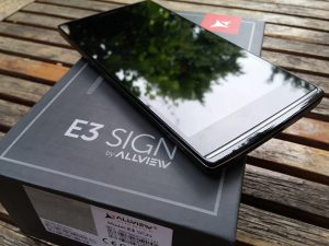 Unboxing Allview E3 Sign