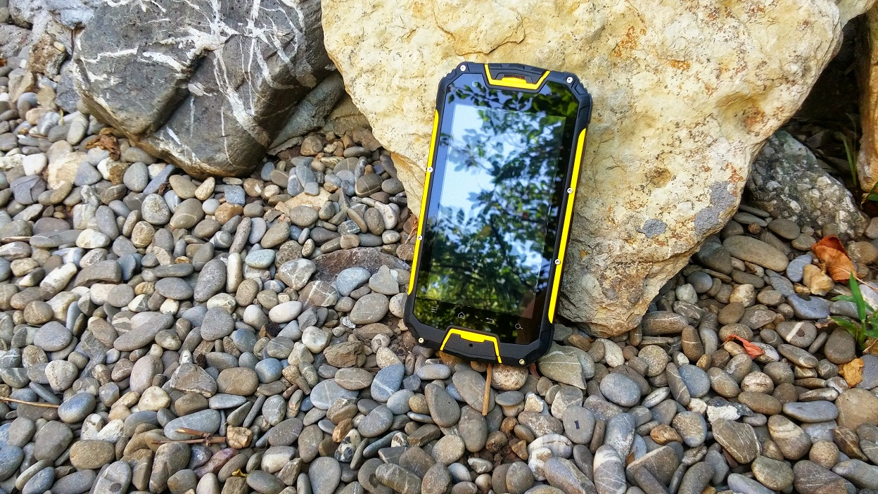 20150728_112203~2 Review Snopow M8 si M9 telefoanele rugged aproape indestructibile