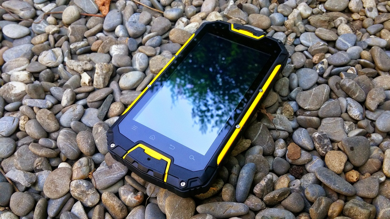 20150728_112223~2 Review Snopow M8 si M9 telefoanele rugged aproape indestructibile