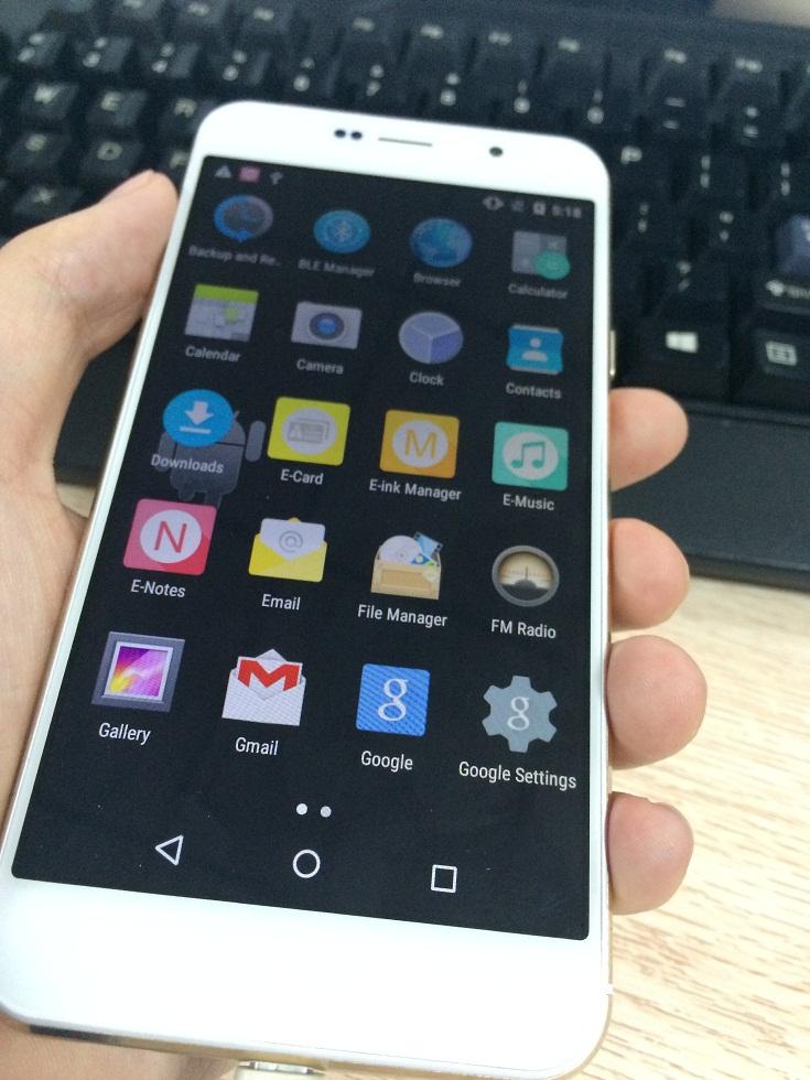 Iphone 6s + YotaPhone egal Oukitel U6