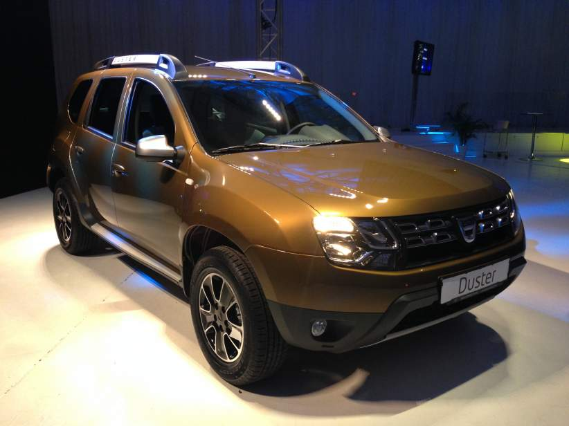 ddd Dacia Duster Connected by Orange cu Wi-Fi onboard