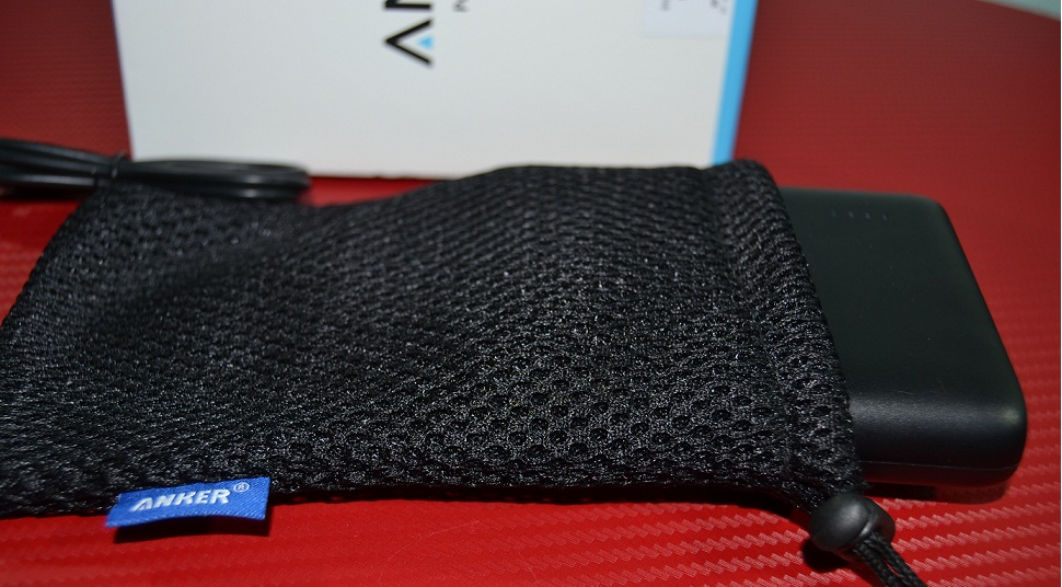 "ty Unboxing Anker PowerCore 10400 mAh, acumulator extern ce ""miroase"" a calitate"