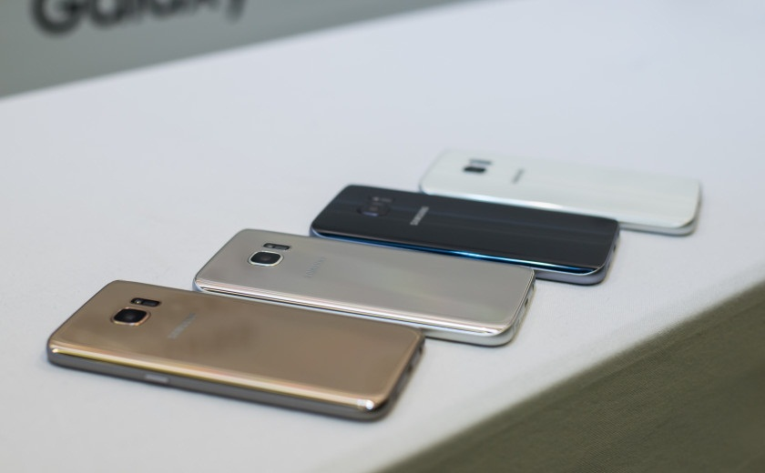 13 Samsung Galaxy S7 Edge, primele poze reale si specificatii complete (S7)!