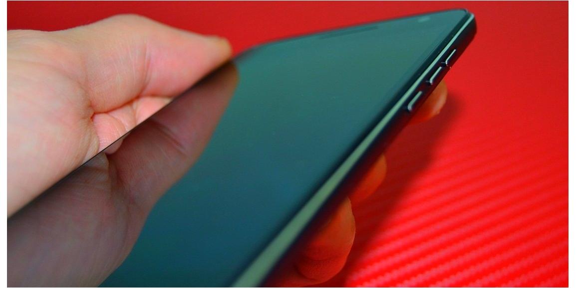 dd Unboxing Mijue T200, luxosul telefon 4G chinezesc si ieftin!