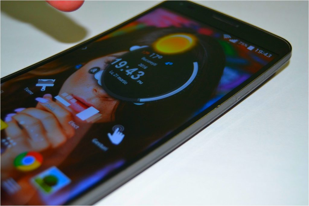 In sfarsit un launcher 3D (tema Android) bun si fara pic de reclame!