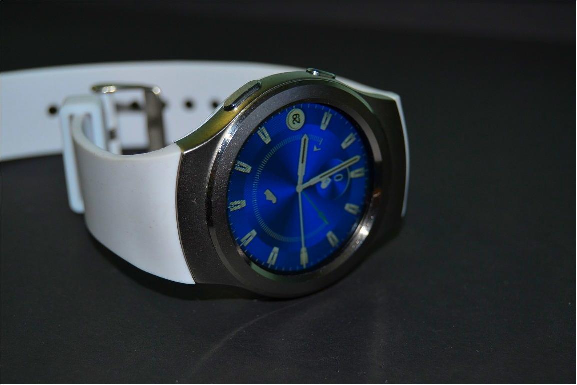 DSC_0304 si ceasurile inteligente no.1 sunt in romania, tot la emag!