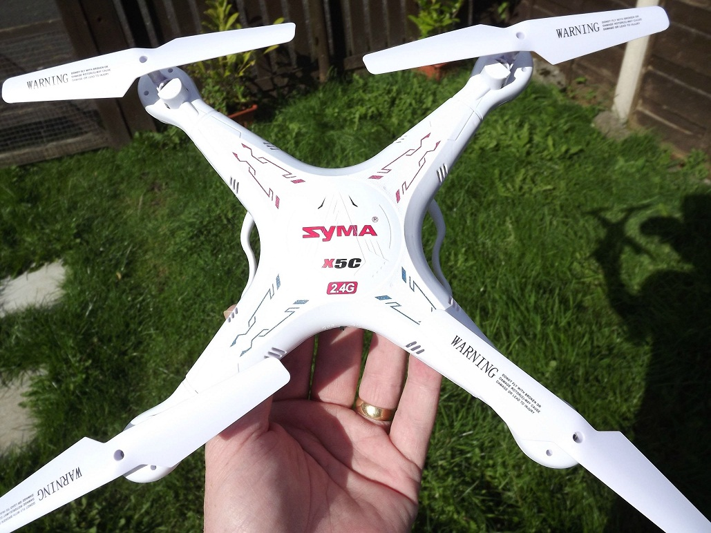 maxresdefault Syma X5C, o drona ieftina si interesanta, cateva pareri si pret!