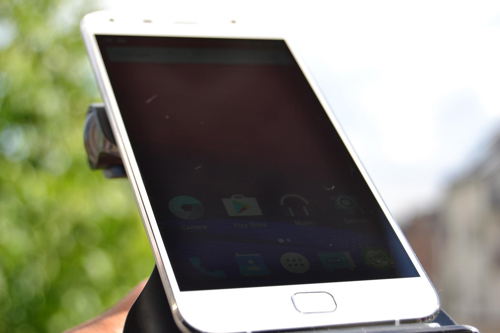 DSC_0414 REVIEW display UMi Touch si comparat cu UMi Super, tot partea de display