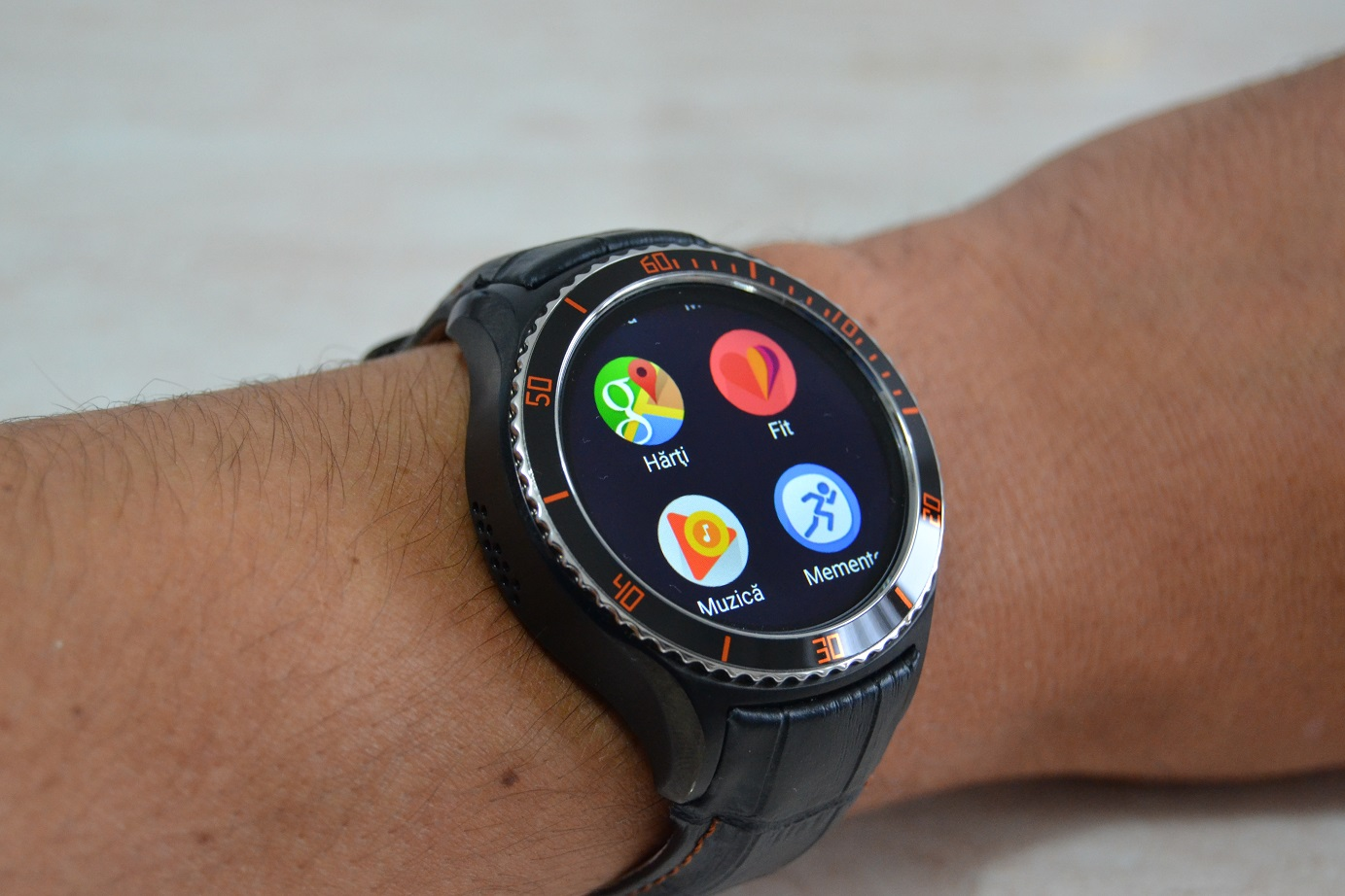 Unboxing si primele pareri, IQI I2 smartwatch cu Android, 3G si WiFi