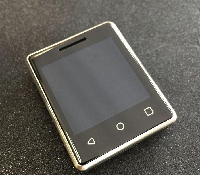 535qt Vphone S8 va fi cel mai mic telefon din lume cu touchscreen!
