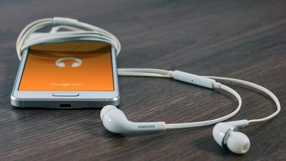 samsung_galaxy_s6_price_phone_smartphone_headphones_109316_3840x2160 Aplicatia JAYS Headset Control, functii noi butonului de pe casti!