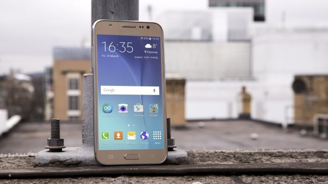 Samsung Galaxy J5 2017 isi dezvaluie dotarile, apar si huse pe eMag