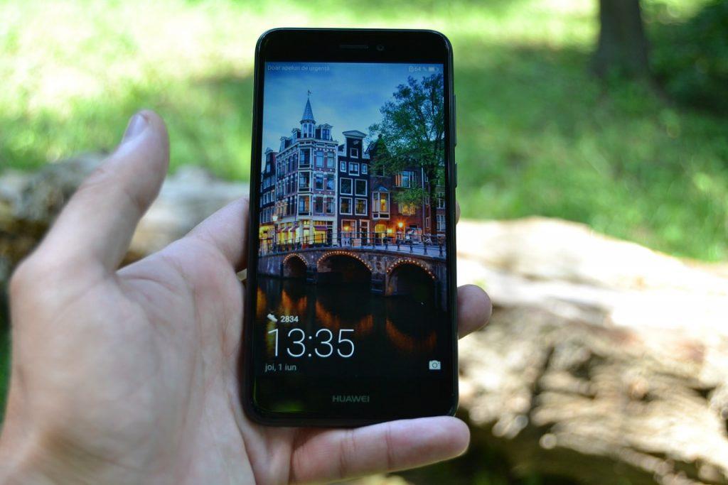 Review Huawei P9 Lite 2017 review huawei p9 lite 2017, design excelent si ecran bun