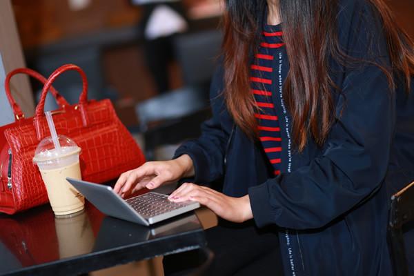 gpd pocket, mini laptop, jucarie mica si puternica cu 8 gb ram