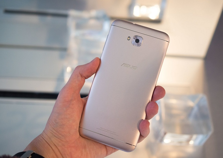 asus zenfone 4 si 4 pro review video, puternice si aratoase
