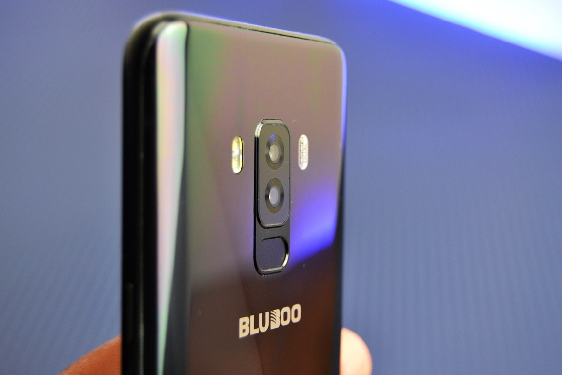 Bluboo S8 unboxing in limba romana si oferta locala