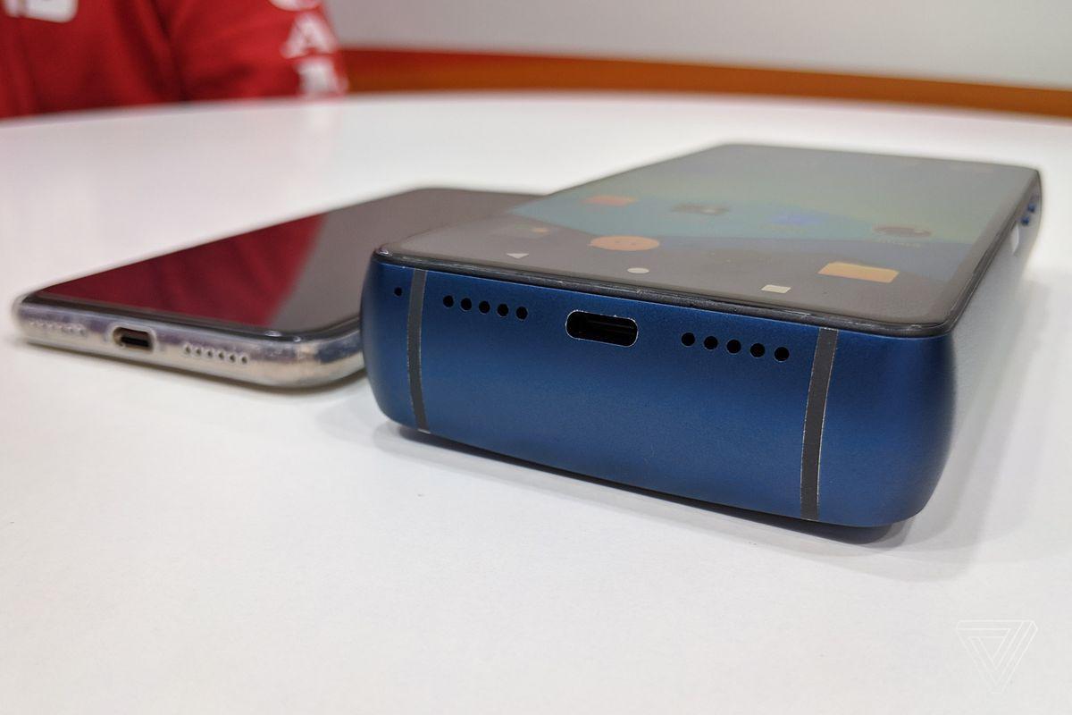 cel mai gros telefon din istorie! energizer power max p18k pop
