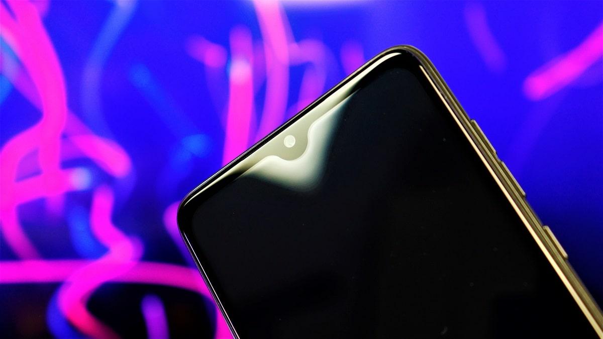 opinie (ihunt) de ce cumparam telefoane frumoase? s20 plus apex 2021